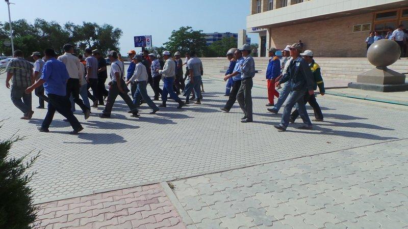 Коммунальный пикет прошел у акимата Актау, фото-6