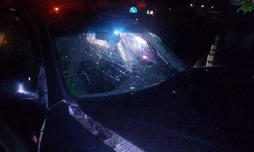 В Днепропетровске пьяный водитель врезался в дерево, фото-4