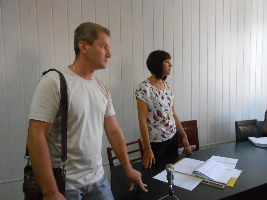 Заводской районный суд Днепродзержинска отменил действие повышенных тарифов на проезд (фото) - фото 4