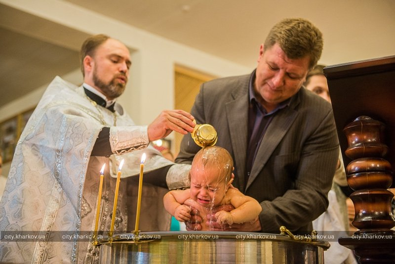 В Харькове крестили детей переселенцев (ФОТО) (фото) - фото 1