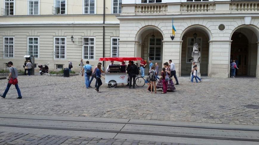 Власники велокав'ярень у Львові протестують проти корупції місцевої влади (ФОТО) (фото) - фото 1