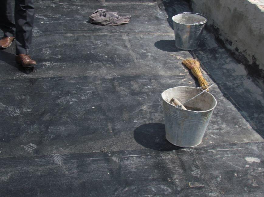 Мэр Мариуполя забрался на крышу в микрорайоне Восточный (ФОТО+ВИДЕО), фото-13