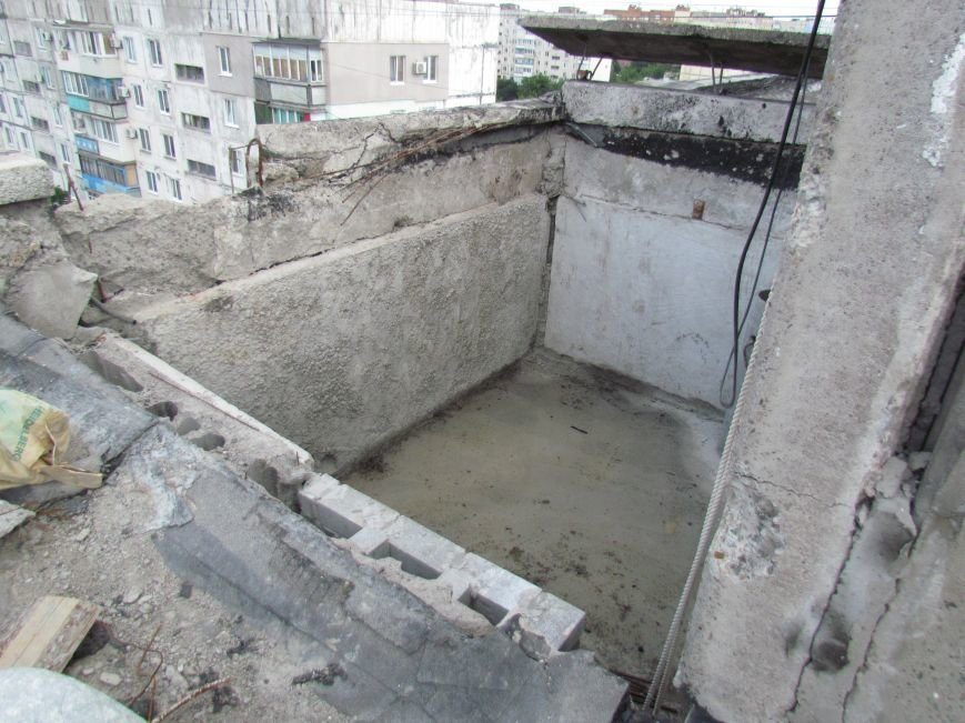 Мэр Мариуполя забрался на крышу в микрорайоне Восточный (ФОТО+ВИДЕО), фото-23
