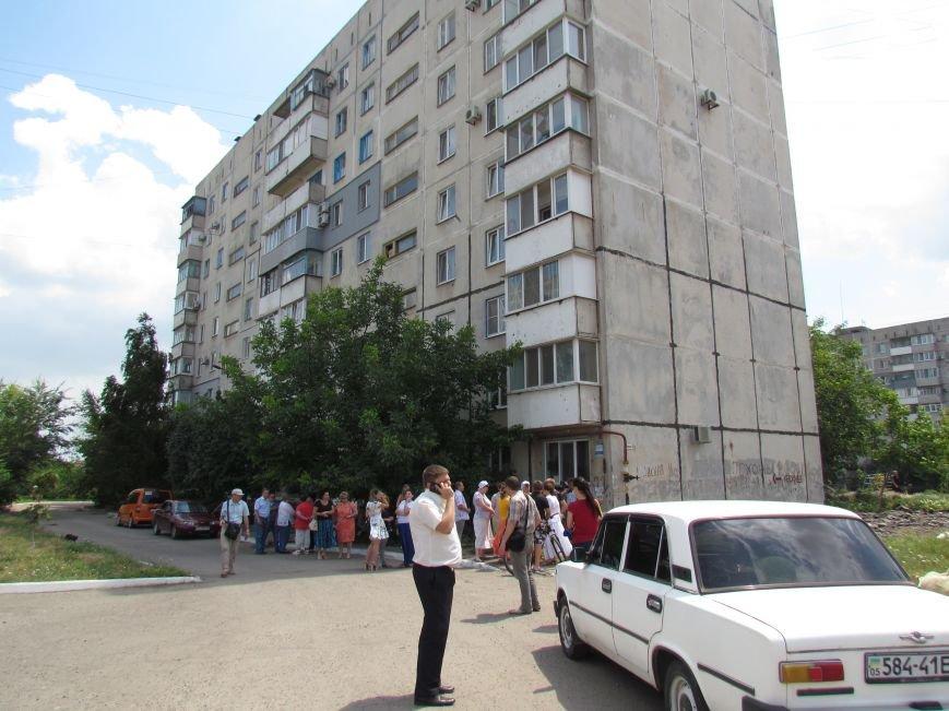 Мэр Мариуполя забрался на крышу в микрорайоне Восточный (ФОТО+ВИДЕО), фото-3