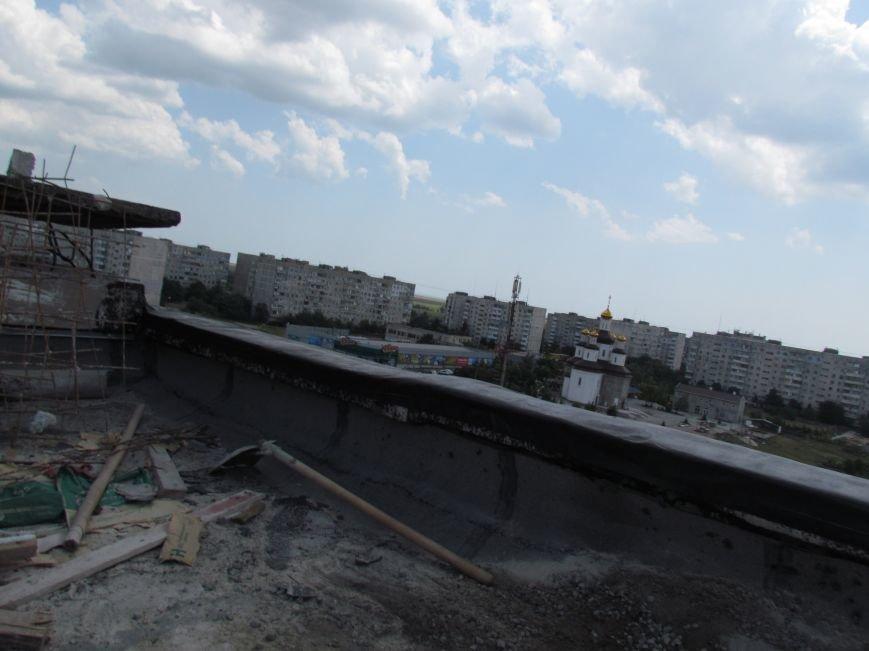 Мэр Мариуполя забрался на крышу в микрорайоне Восточный (ФОТО+ВИДЕО), фото-26