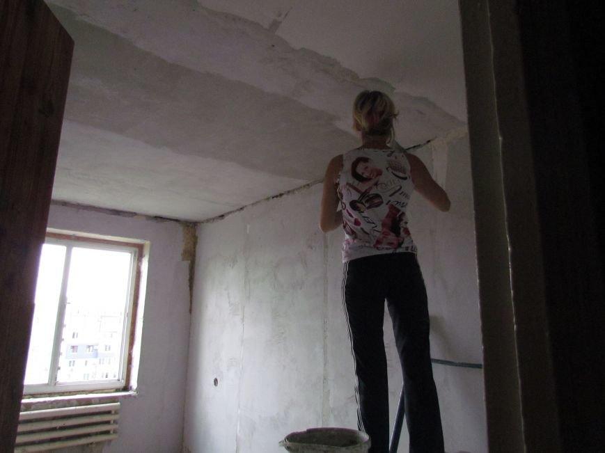 Мэр Мариуполя забрался на крышу в микрорайоне Восточный (ФОТО+ВИДЕО), фото-7