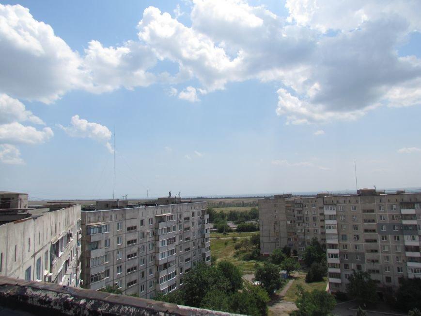 Мэр Мариуполя забрался на крышу в микрорайоне Восточный (ФОТО+ВИДЕО), фото-20