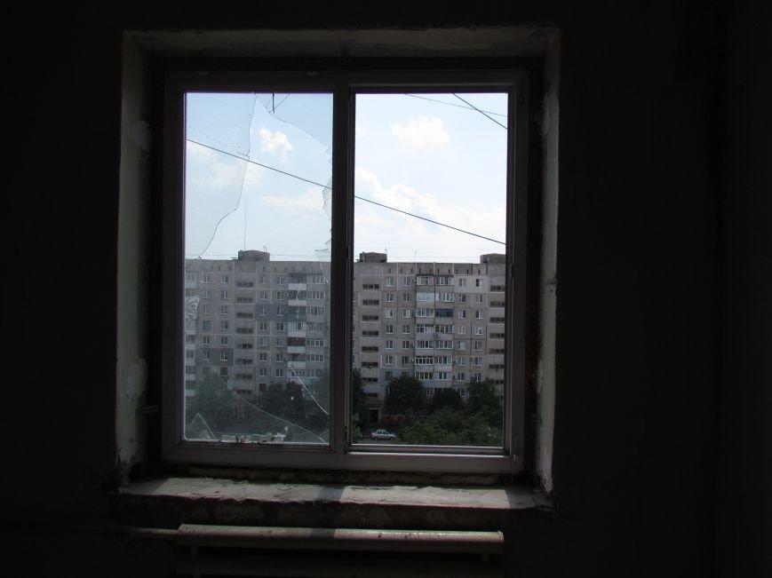 Мэр Мариуполя забрался на крышу в микрорайоне Восточный (ФОТО+ВИДЕО), фото-11
