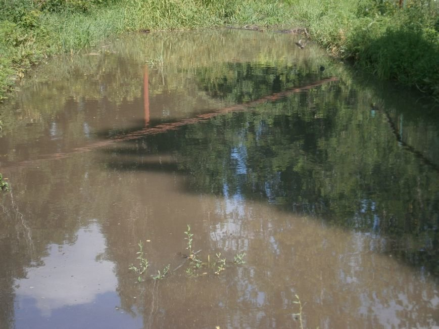 В Димитрове работники горводоканала оперативно устранили порыв на водопроводе (ФОТО) (фото) - фото 3