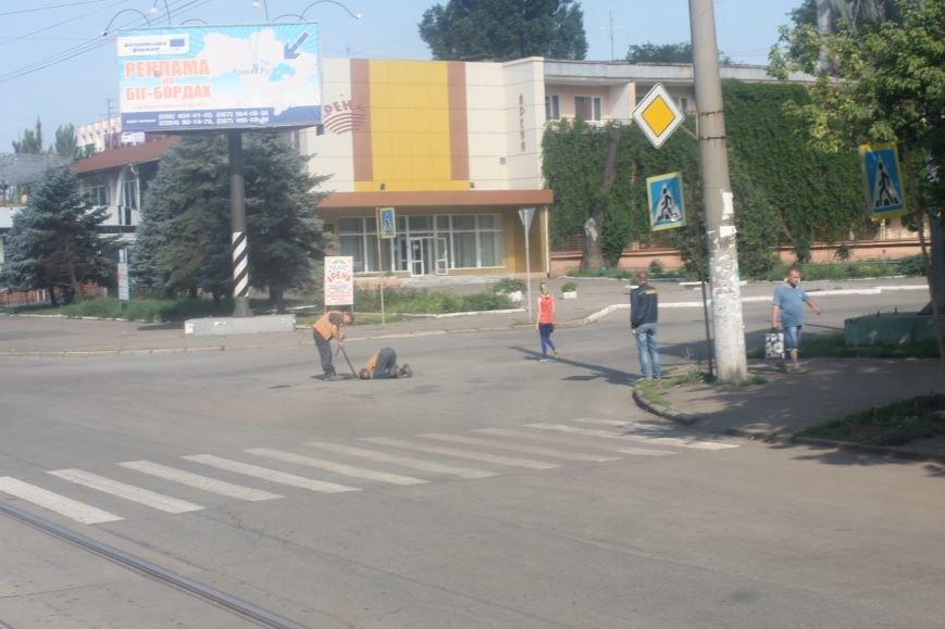 Жители  Кривого Рога отмечают, что подготовка к визиту Президента не мешает нормальному рабочему ритму города (ФОТО), фото-7