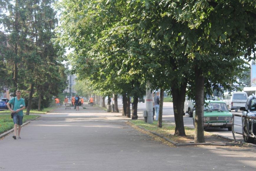 Жители  Кривого Рога отмечают, что подготовка к визиту Президента не мешает нормальному рабочему ритму города (ФОТО), фото-2