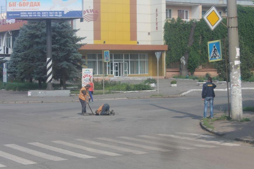 Жители  Кривого Рога отмечают, что подготовка к визиту Президента не мешает нормальному рабочему ритму города (ФОТО), фото-8