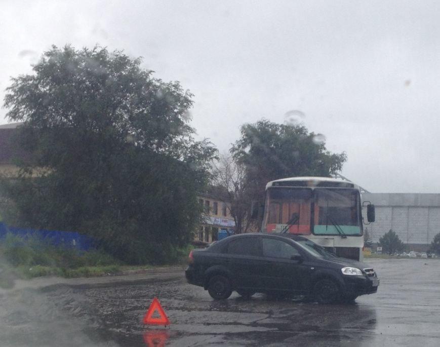 Первое ДТП, причиной которого стал ливень в Ульяновске (фото) - фото 2