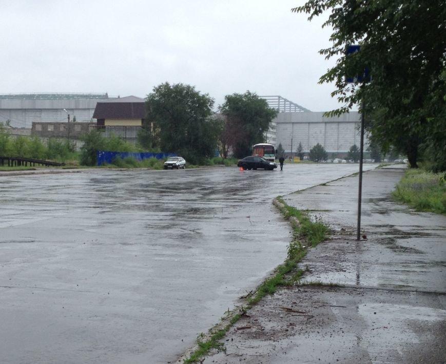 Первое ДТП, причиной которого стал ливень в Ульяновске (фото) - фото 1