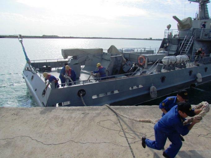 Боевые корабли ВМС Казахстана развернули стрельбы на Каспии, фото-6