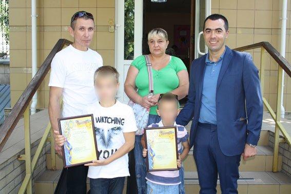 Ограбление в Кременчуге: дети гнались за преступником, а тот пытался откупиться от них (ФОТО) (фото) - фото 1