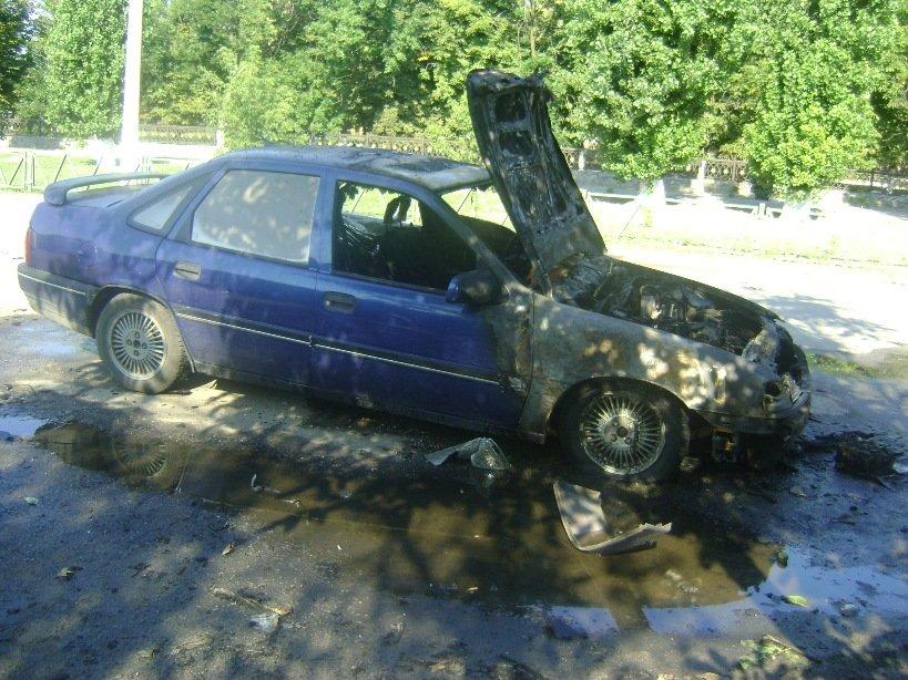 В Херсонской области теперь горят машины (фото) - фото 1