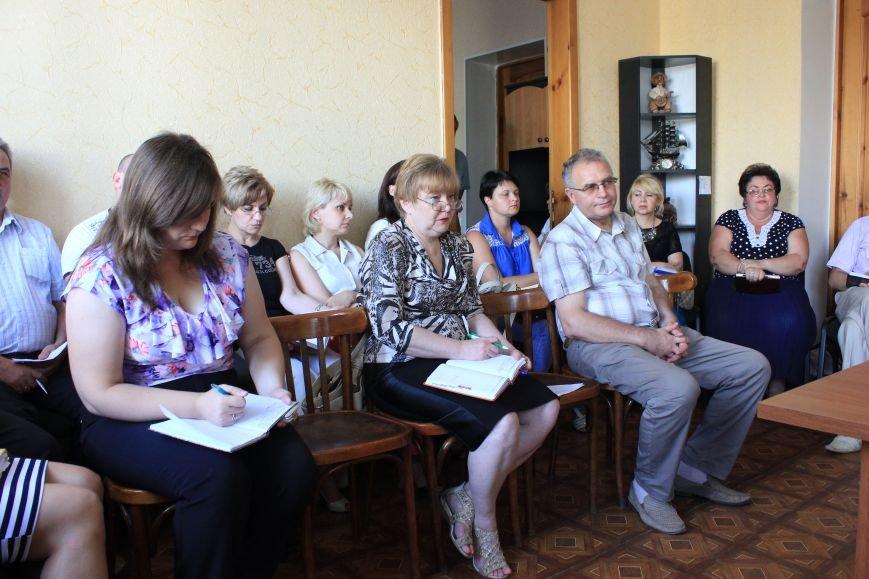 Жители Артемовска жалуются мэру на работу коммунальных служб, фото-1