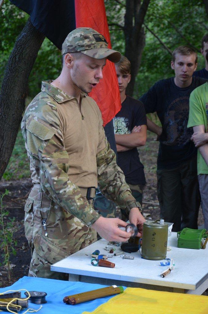 «Азов» учил мариупольцев саперному делу (ФОТО), фото-6
