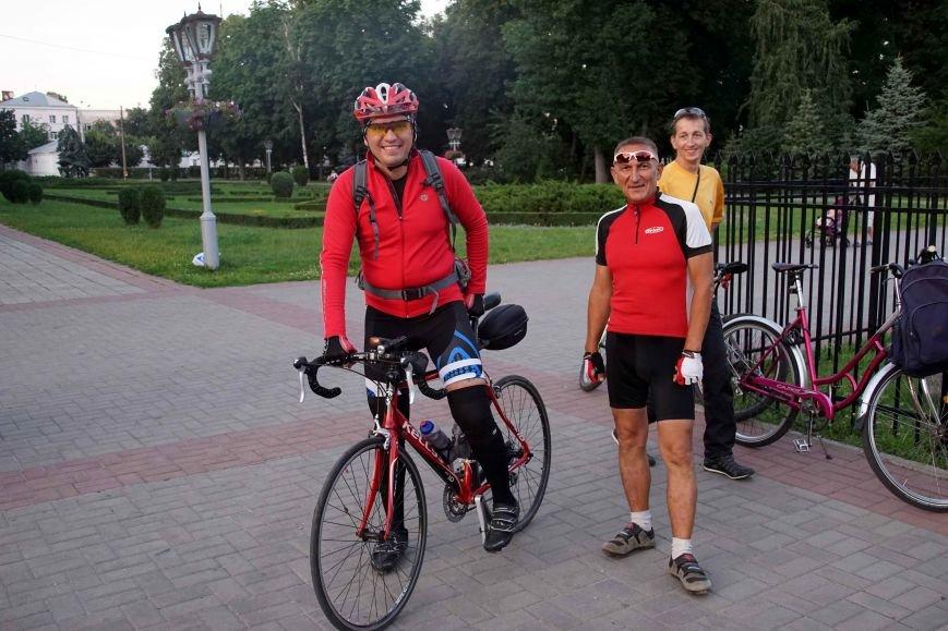11 велогонщиків з Полтави вирушили у 400 кілометровий марафон. Відео (фото) - фото 1