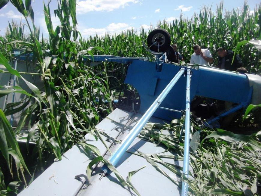 Пилот с Полтавщины разбился на легкомоторном самолёте в соседней области (ФОТО) (фото) - фото 1
