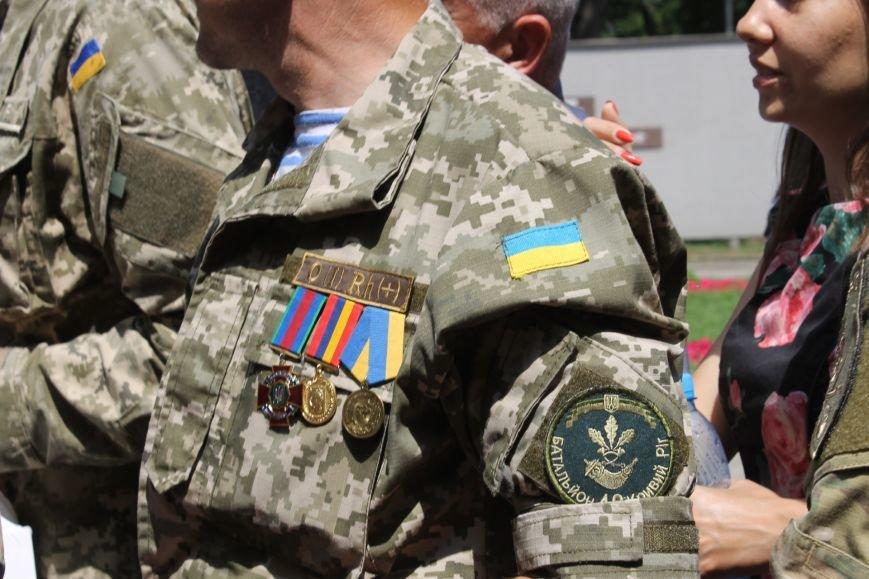 В Кривом Роге вручили награды бойцам 40-го БТО «Кривбасс» и волонтерам, которые их поддерживали (ФОТО), фото-7
