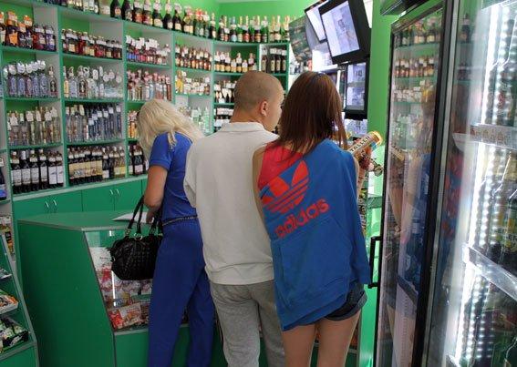 Як на Полтавщині борються з продажем алкоголю та тютюну неповнолітнім (фото) - фото 3