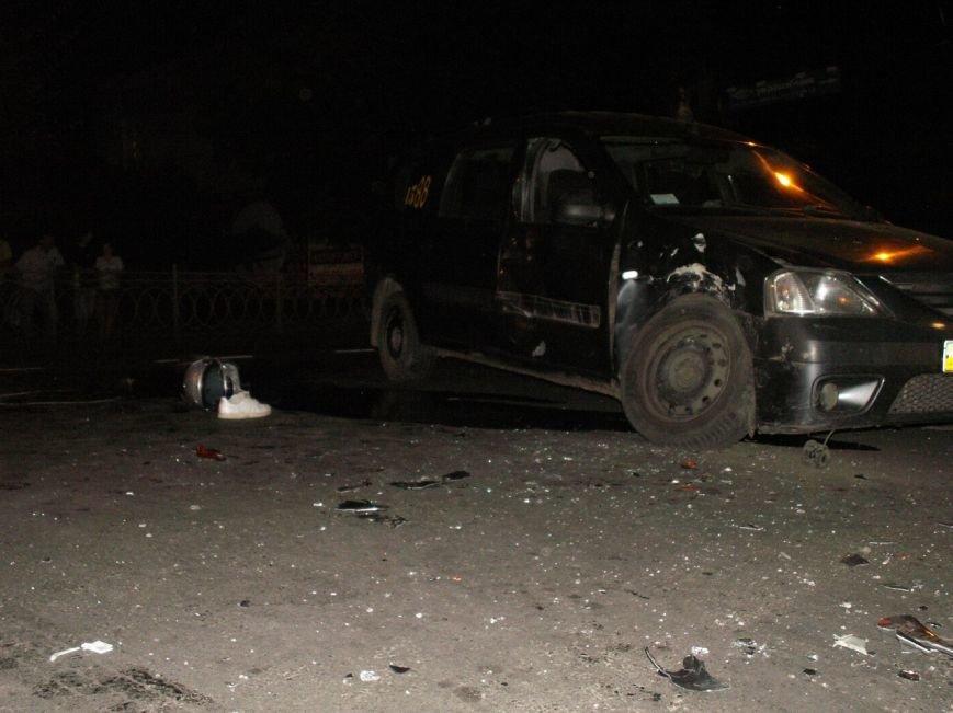 Мотоцикліст насмерть врізався в таксі (фото) - фото 1