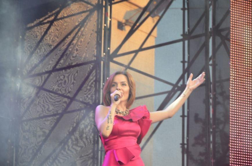 Певица Эрика заявила, что в Мариуполе главное - это люди (ВИДЕО), фото-1