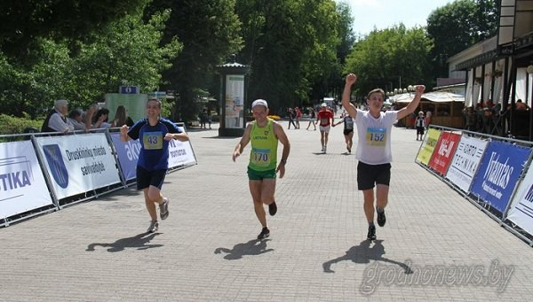Гродненец получил пробежал марафон Дружбы за 2,5 часа и получил тысячу долларов (фото) - фото 2