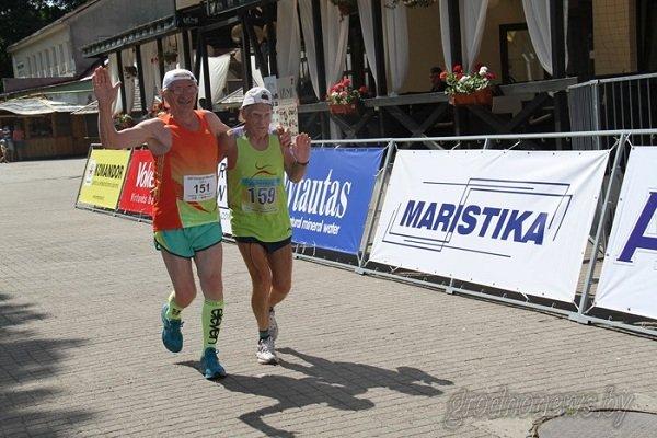 Гродненец получил пробежал марафон Дружбы за 2,5 часа и получил тысячу долларов (фото) - фото 1