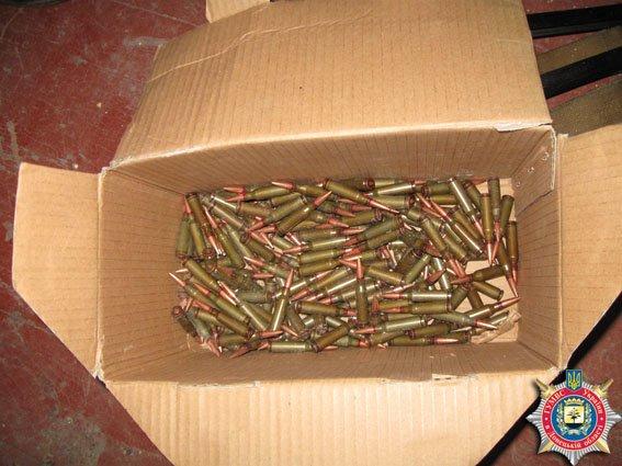 У жителя Красноармейска изъято несколько единиц оружия и взрывчатки (ФОТО) (фото) - фото 5