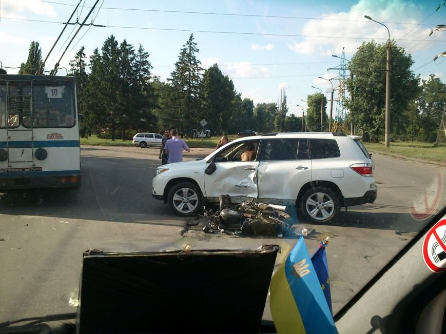 В результате столкновения  мопеда с автомобилем госпитализирован 55-летний криворожанин (ФОТО), фото-1