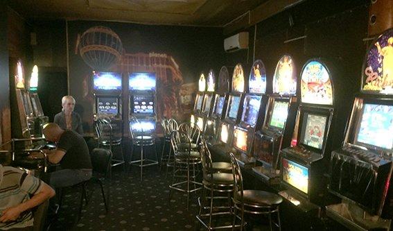 В Днепродзержинске разоблачили очередное подпольное казино (фото) - фото 1