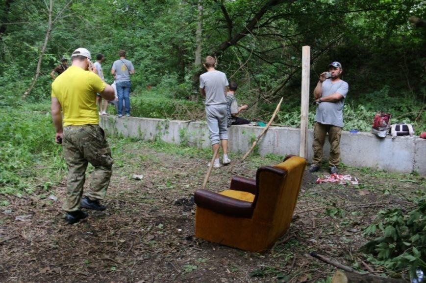На Кордовке уничтожили 78 деревьев и поставили забор, фото-9