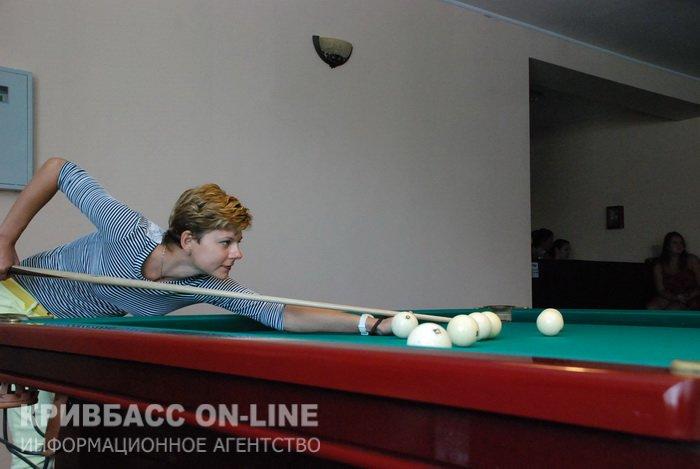 Криворожские журналисты выяснили, кто из них лучший в бильярде (ФОТО) (фото) - фото 3