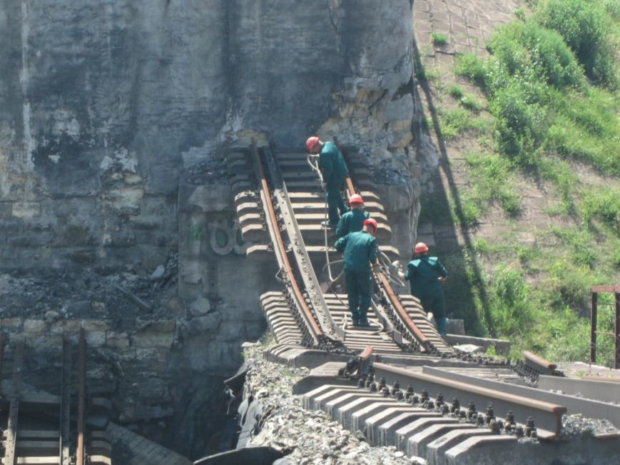 Железнодорожный мост через Кальчик восстановят за 3 месяца (ФОТО+ВИДЕО), фото-3