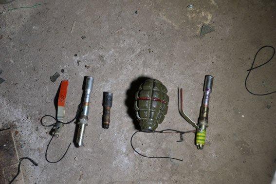 В одному із підвальних приміщень  у центрі Львова правоохоронці натрапили на розтяжку (фото) - фото 1