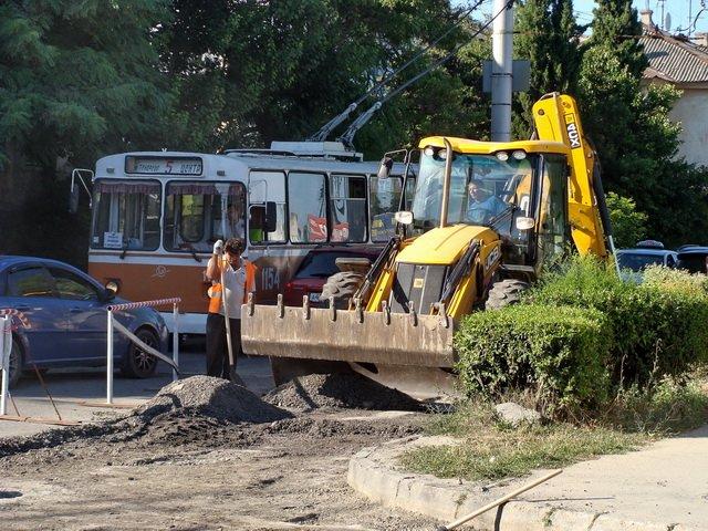 Дороги в Севастополе помогают ремонтировать «Ночные волки» (ФОТО) (фото) - фото 2