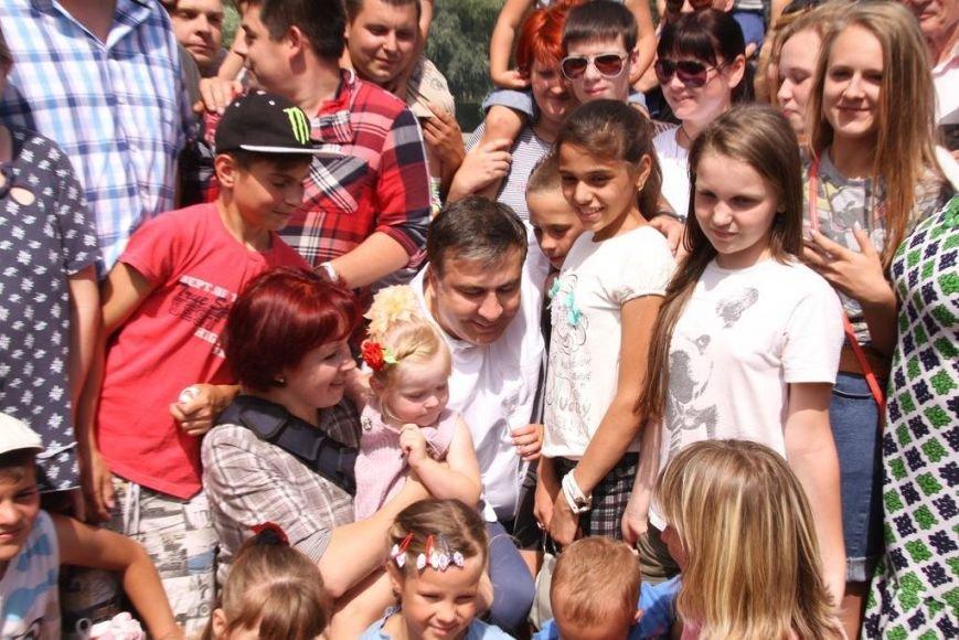 Черниговцы радостно встретили Саакашвили, фото-5