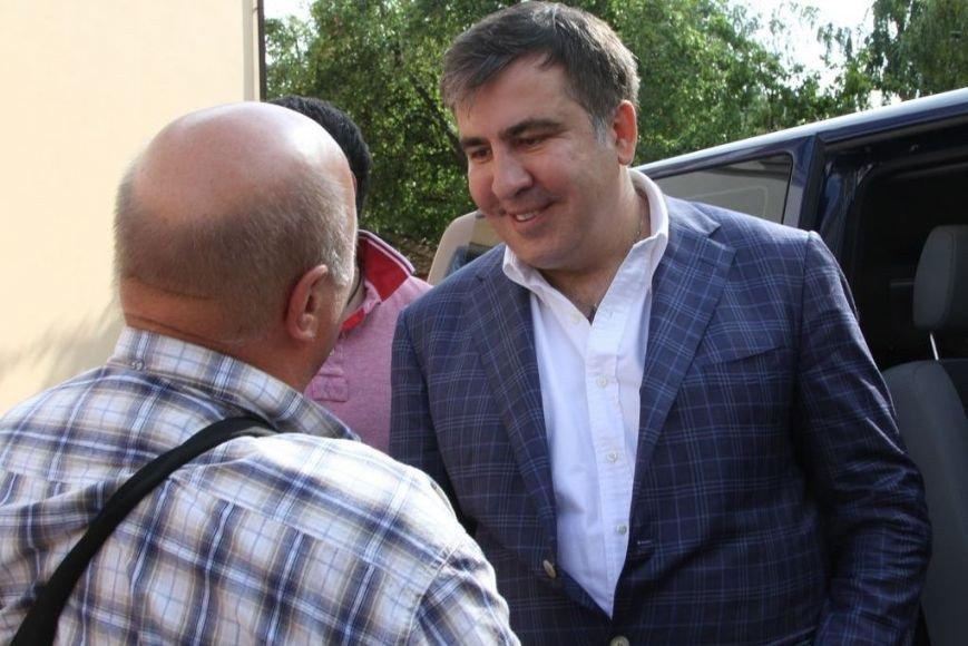 Черниговцы радостно встретили Саакашвили, фото-1