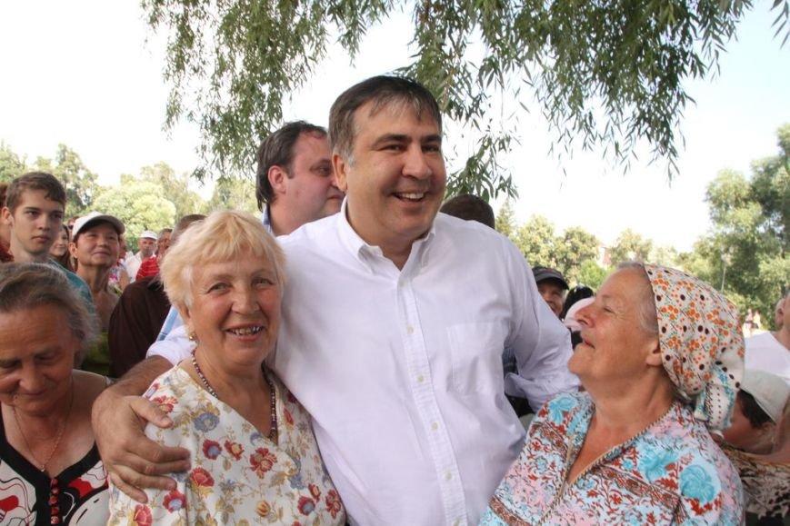 Черниговцы радостно встретили Саакашвили, фото-3