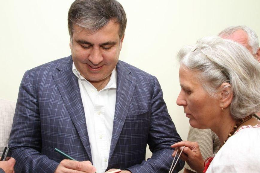 Черниговцы радостно встретили Саакашвили, фото-7