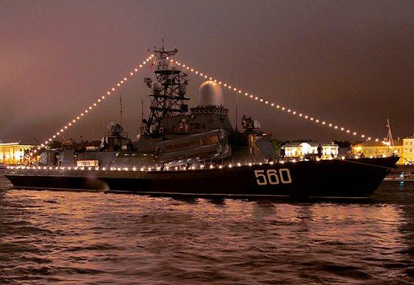 День ВМФ: парад кораблей, военный лагерь и киношоу (фото) - фото 1