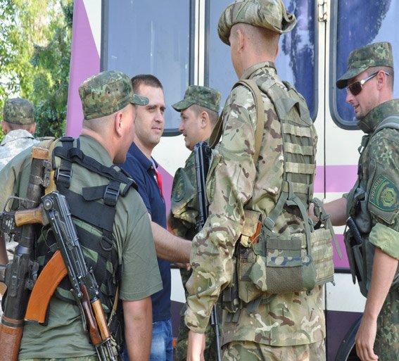 Николаевский спецназ сменил на «передовой» своих товарищей (ФОТОРЕПОРТАЖ) (фото) - фото 1