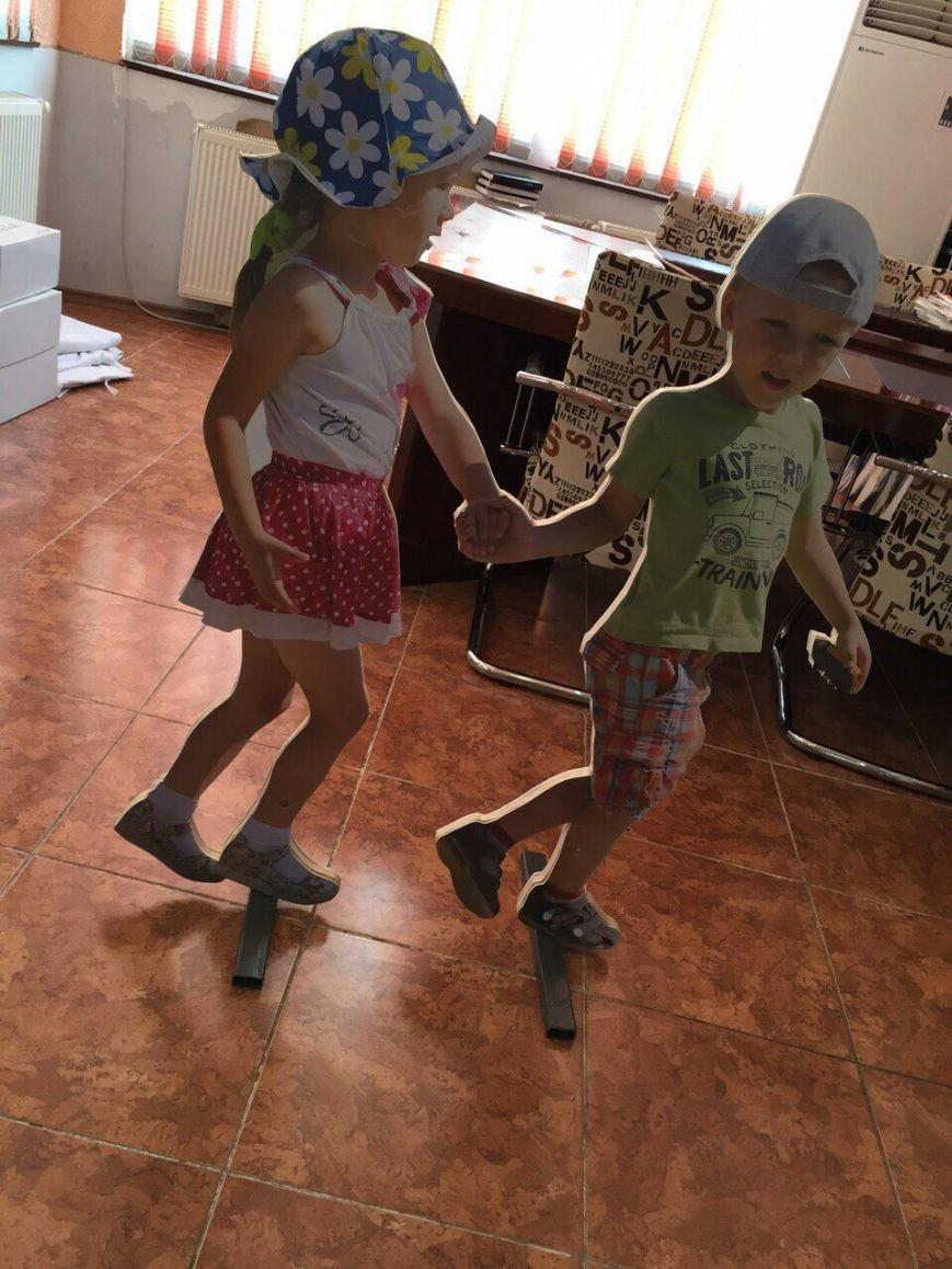 Макеты маленьких детей планируется установить на пешеходных переходах в Актау, фото-1