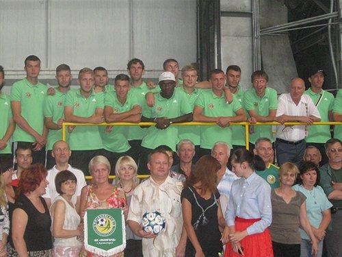 Футболисты «Авангарда» посетили с экскурсией СКМЗ (фото) - фото 1