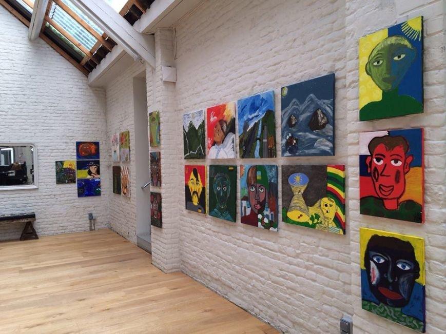 У Чернівцях стартує виставка картин учасників АТО (фото) - фото 1