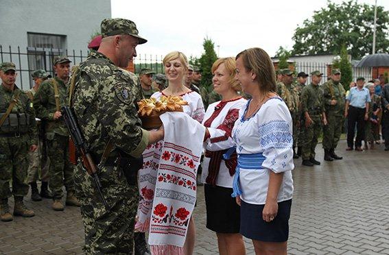 Зі сходу додому: 60 правоохоронців повернулися на Хмельниччину (ФОТО) (фото) - фото 4