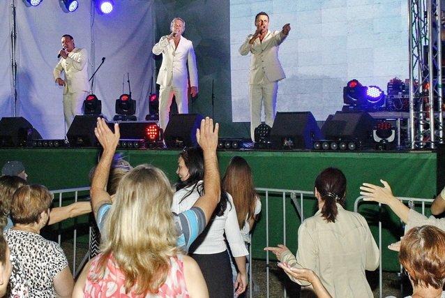 Концерт кращих в Україні виконавців авторської пісні та поп-класики тріо «S-Klass» пройшов за підтримки Геннадія Корбана, фото-17